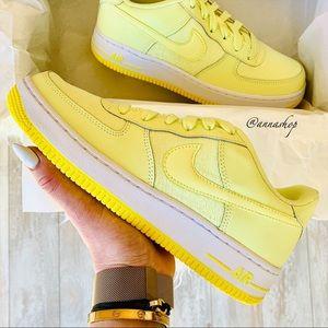 NWT Nike Air Force 1 citron